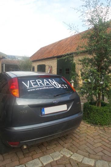 In Bocholt en omstreken rijden ondertussen verschillende auto's rond met een Verano Fest-sticker! | #VFBehindthescenes